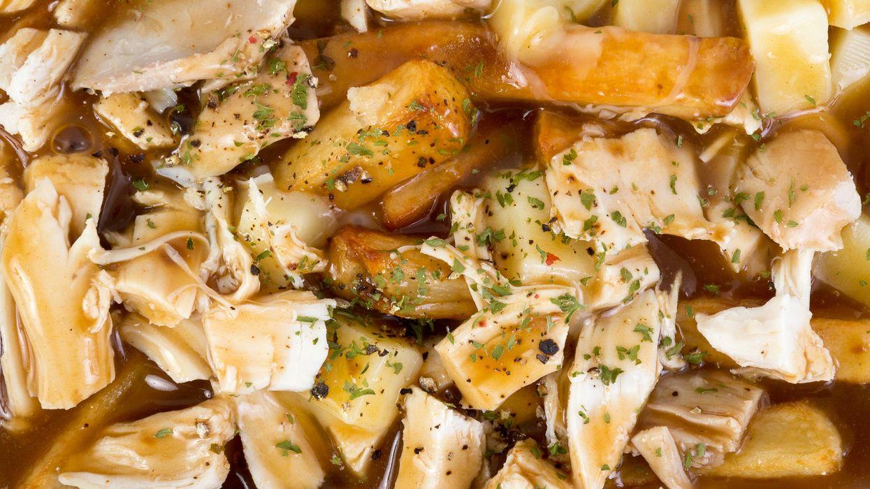 Cette poutine au « poulet »portugais va te faire oublier tous tes plans de diète