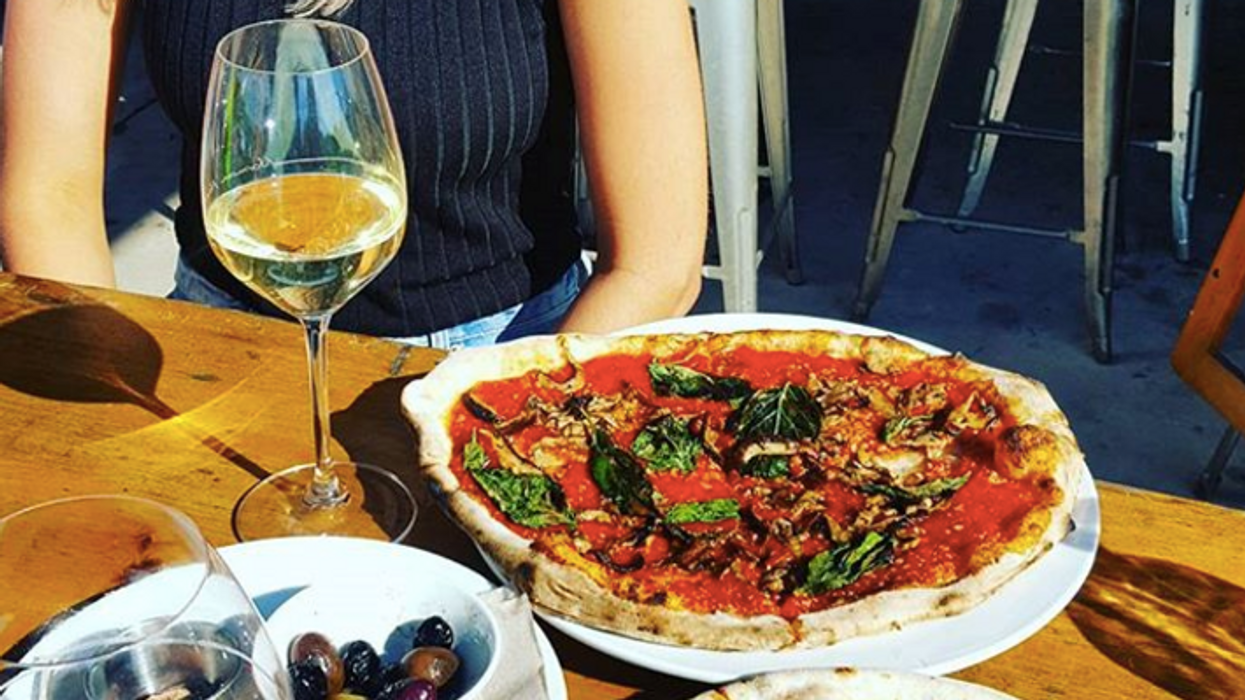 This Winery In Ontario Also Serves Pizza And It's Actually Heaven On Earth