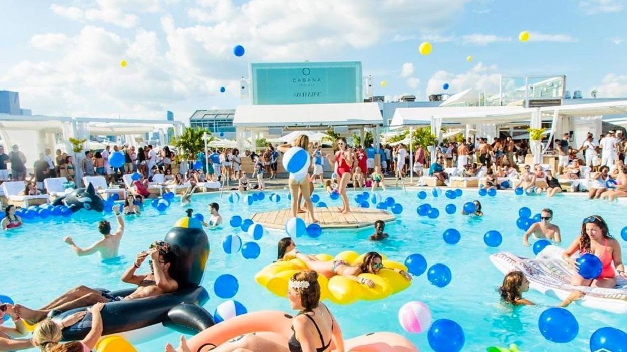 16 Thoughts You First Have When You Go To Cabana Pool Bar