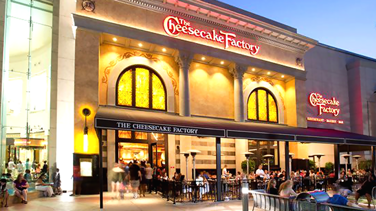 The Wait Is Almost Over: The Cheesecake Factory To Open At Yorkdale This Fall 2017