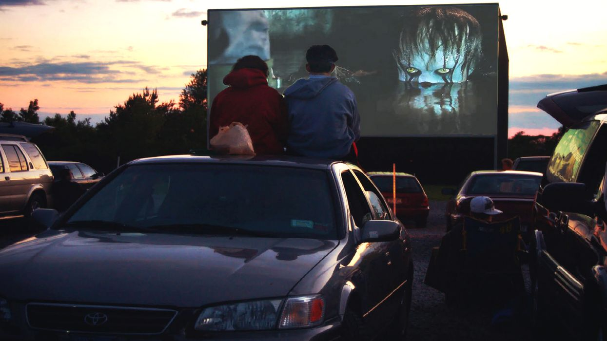 """You Can Watch """"It"""" And Other Horror Movies At This Drive-In Theatre Near Toronto"""