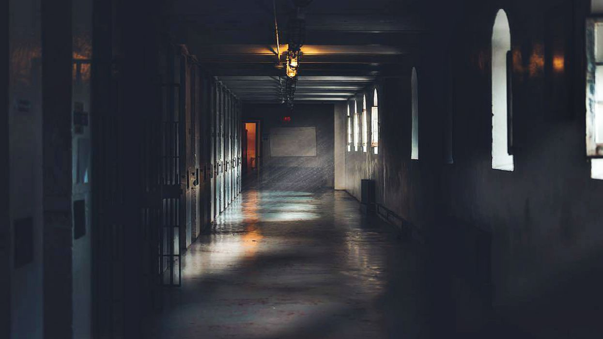 7 Allegedly Haunted Places To Stay Overnight At In Ontario For Halloween