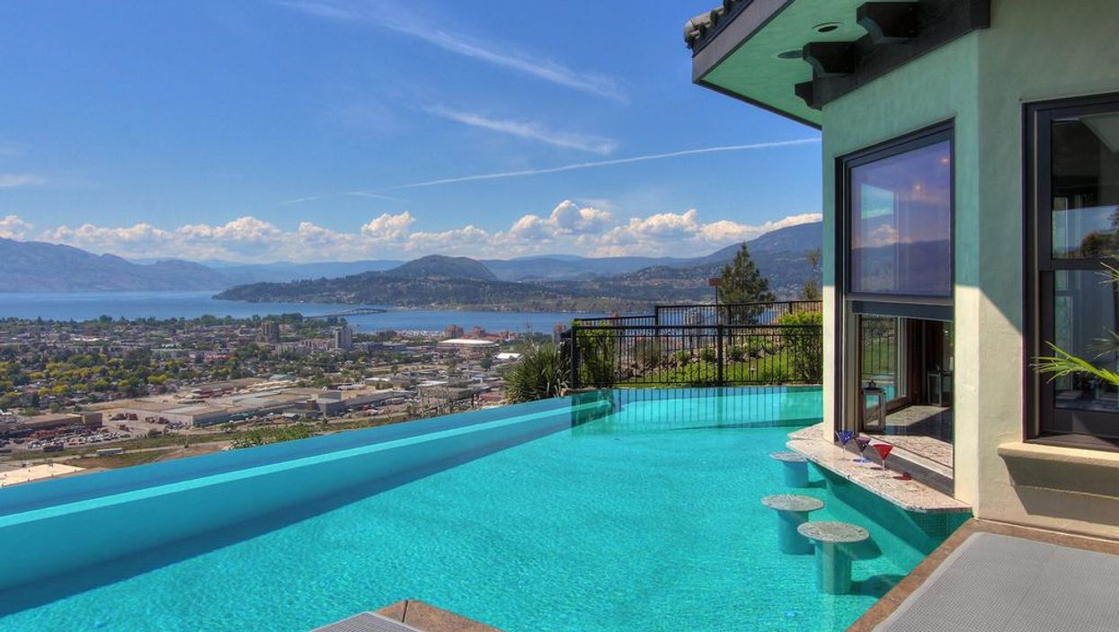 11 Mansions You Can Rent For $25, $50, $100 In BC