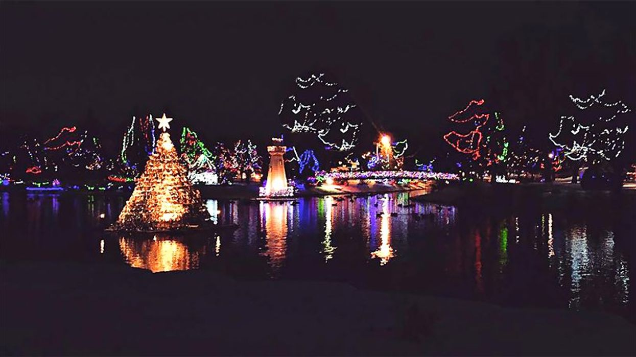 This Ontario Town Will Transform Into A Dreamy Winter Wonderland For The Holidays
