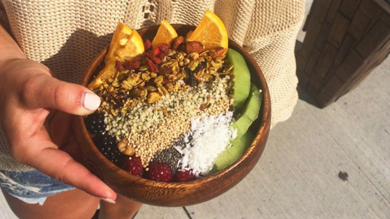 Un nouveau resto santé arrive à Montréal et leurs smoothies bowls sont juste wow