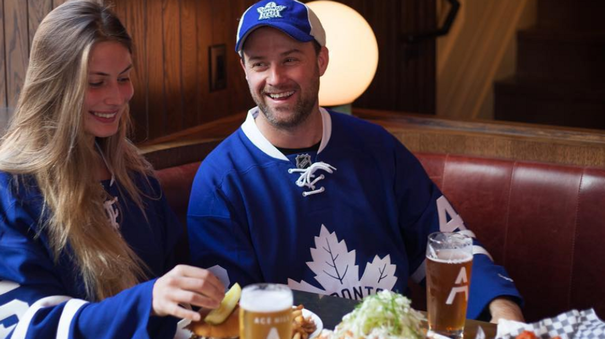 12 Date Spots For Couples If You're Too Broke For Leafs Tickets
