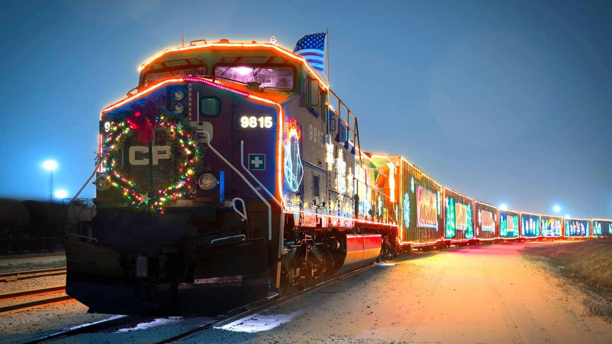"""Canada's Official """"Christmas Train"""" Is Coming To BC For The Holidays"""