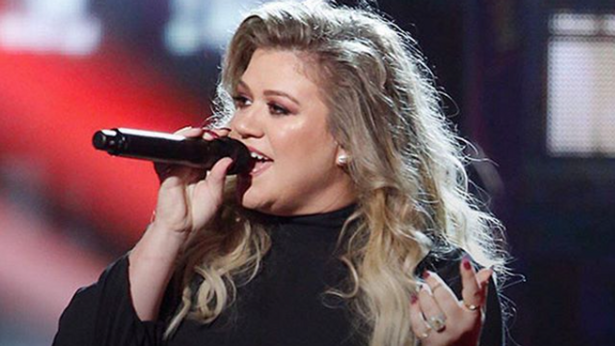 Kelly Clarkson Opens Up About Her Dark 'Miserable' Body Image Struggles