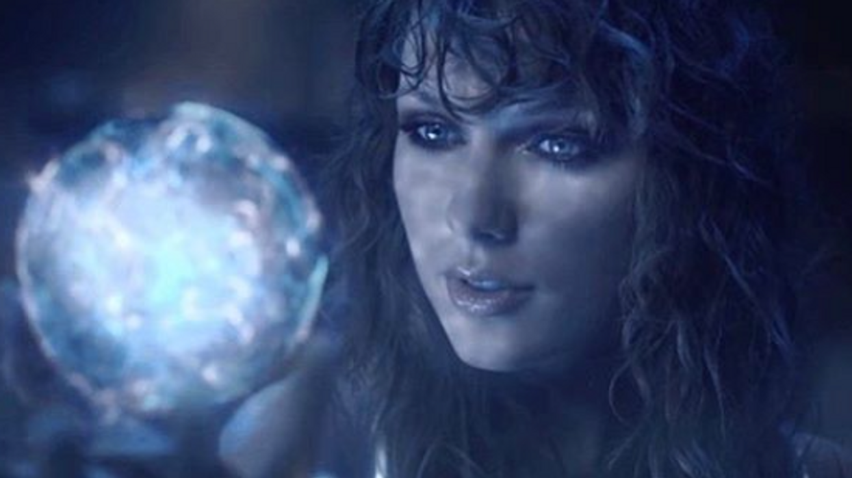 Taylor Swift Shocks Fans With Super Naked 'Ready For It' Music Video