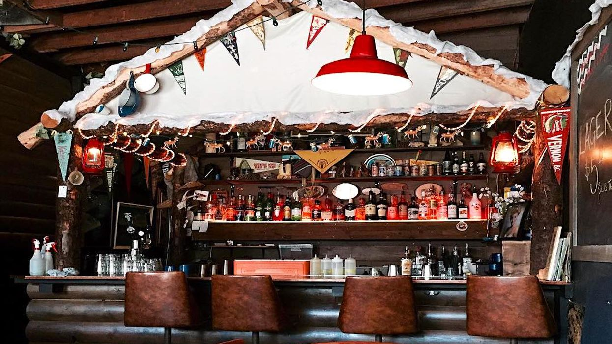 This Wooden Cabin Bar In Vancouver Is The Coziest Place To Go Drinking This Winter