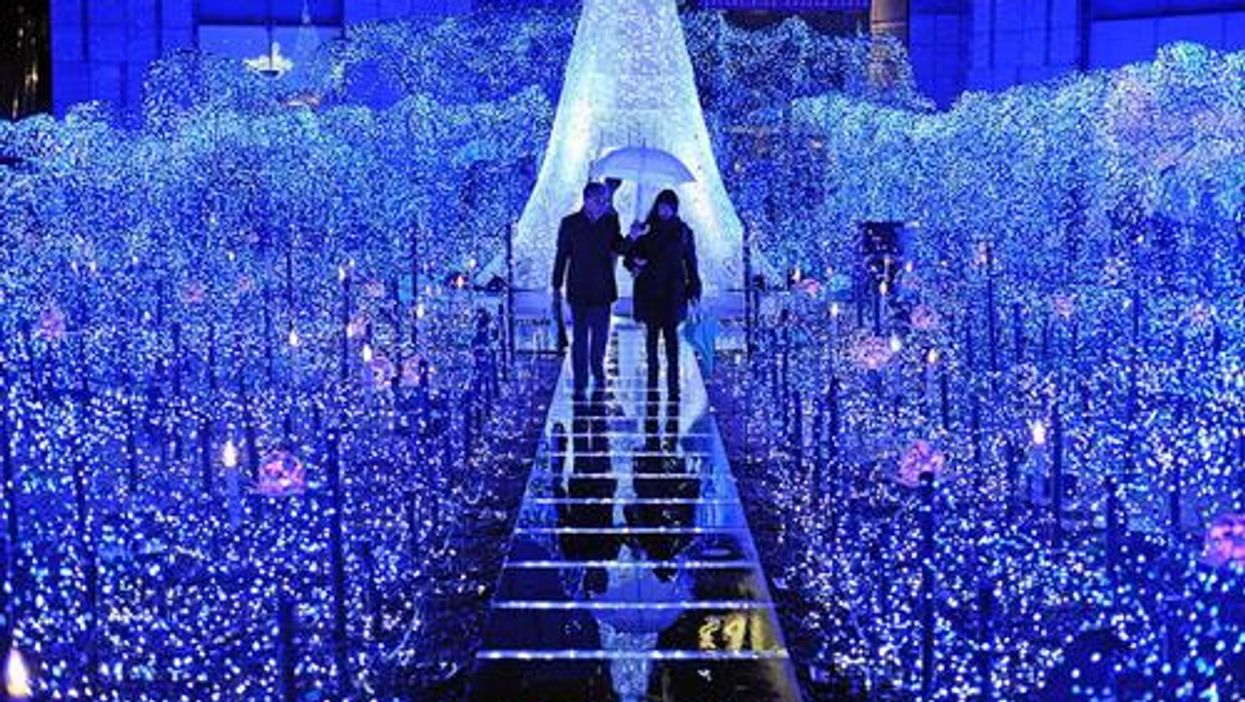 13 Magical Places To Go On A Date In Vancouver During The Holidays