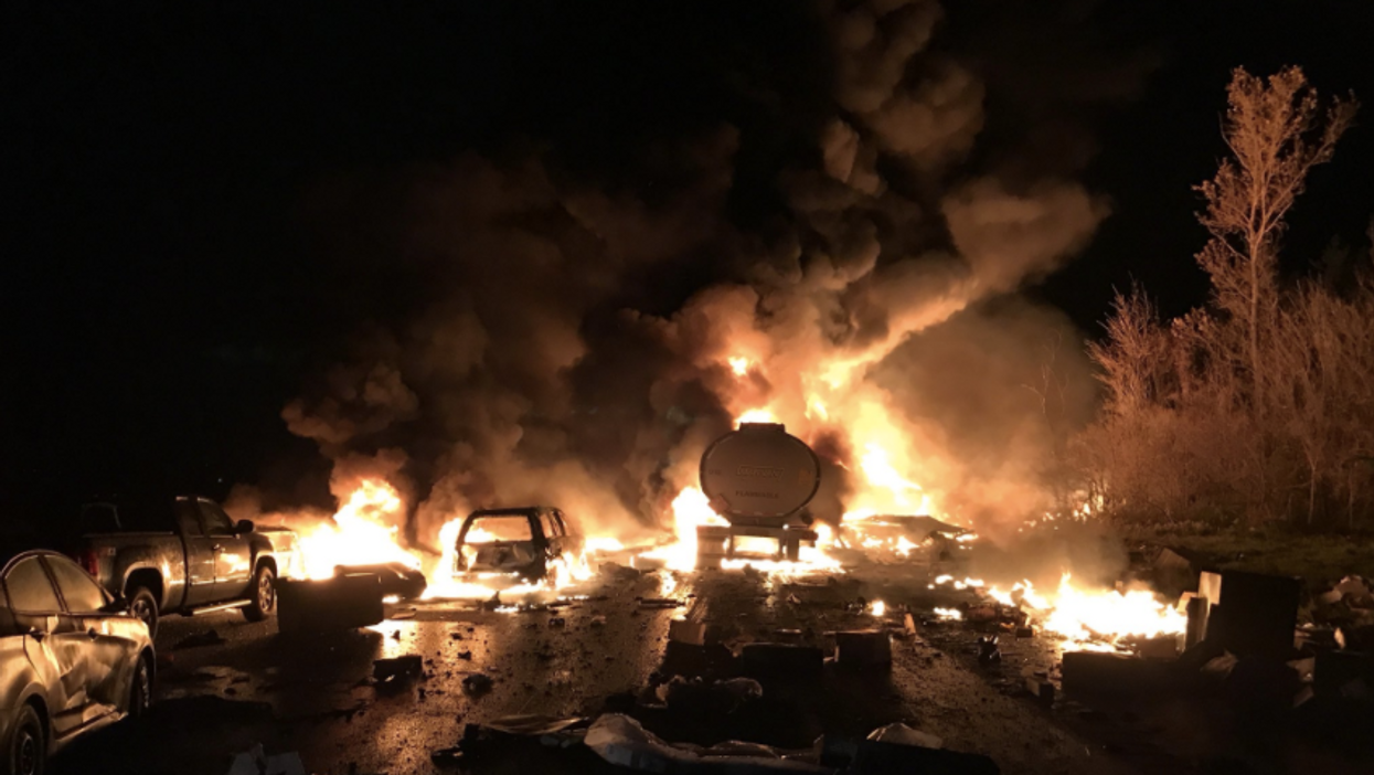 Here's Everything You Need To Know About The Massive Crash On Hwy 400