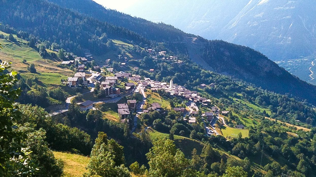 This Gorgeous Swiss Village Wants To Pay Young People $32,000 To Live There