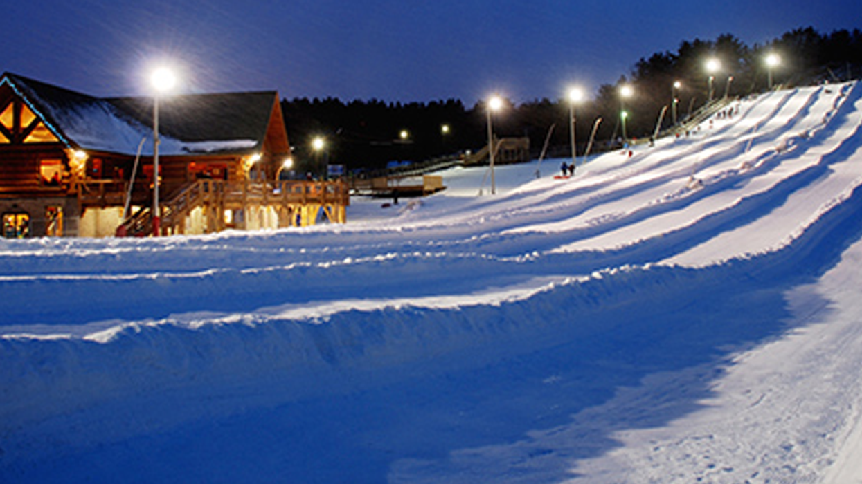 You Can Go Midnight Tubing At This Epic Snow Park In Ontario