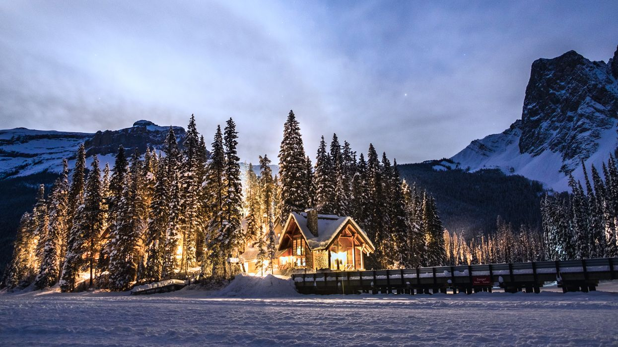 This Magical Lake In BC Transforms Into A Winter Wonderland