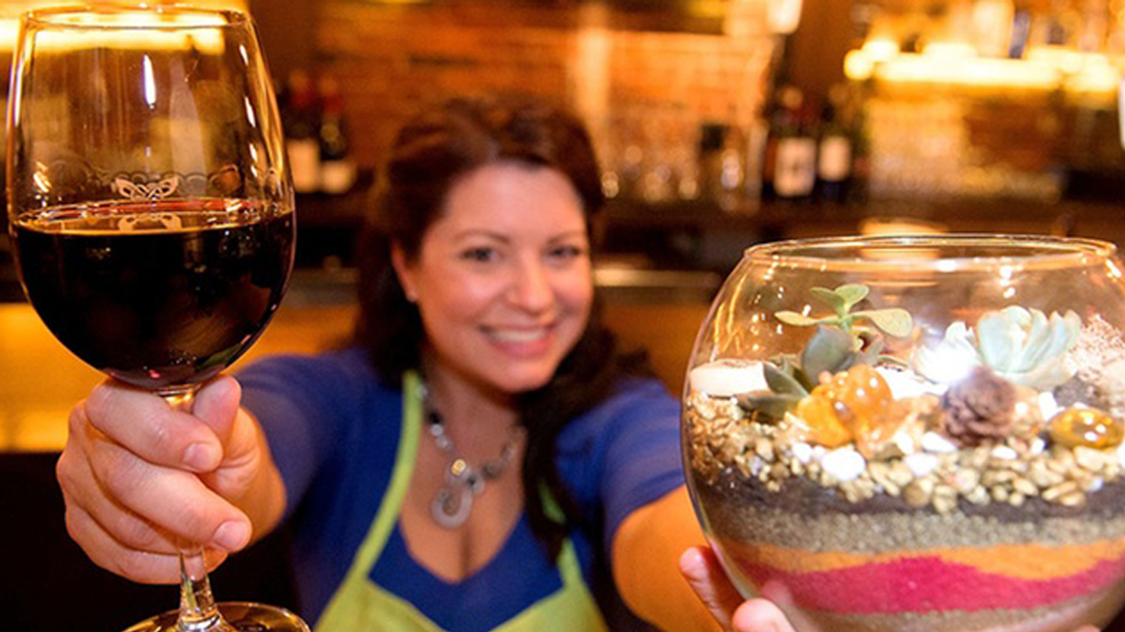 """Toronto Is Hosting A """"Wine & Plant Nite"""" Event This Month"""
