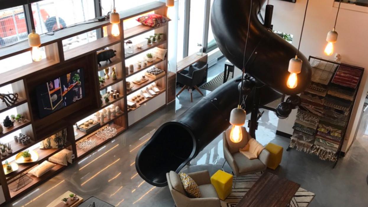 Une immense boutique avec glissade intérieure vient d'ouvrir à Québec et c'est malade