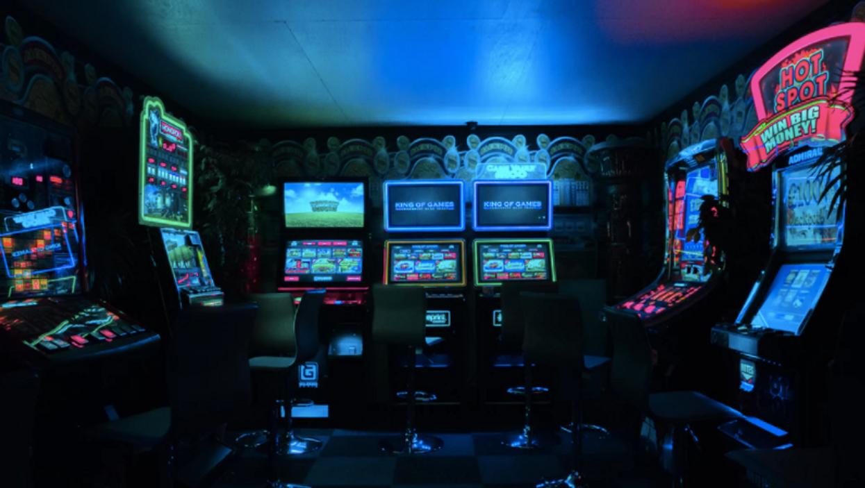 Tu pourras vivre un intense vol de casino à ce nouveau centre d'évasion dans Griffintown