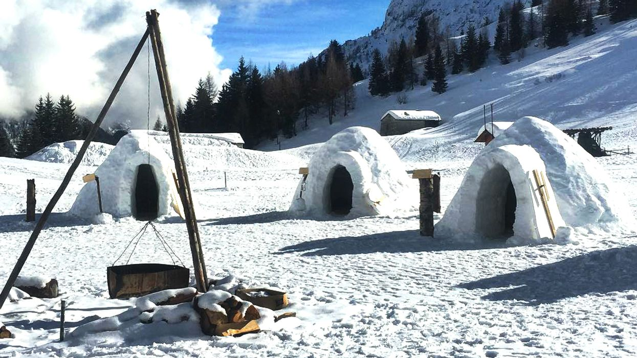 Canada Has An Igloo Building School That Will Teach You How To Build One And Spend the Night In It