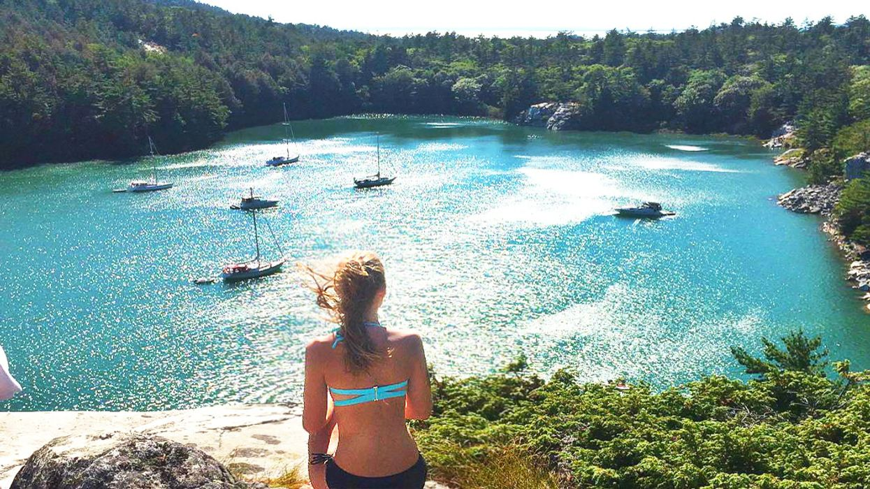 This Hidden Cove In Ontario Is Picture Perfect For A Summer Date
