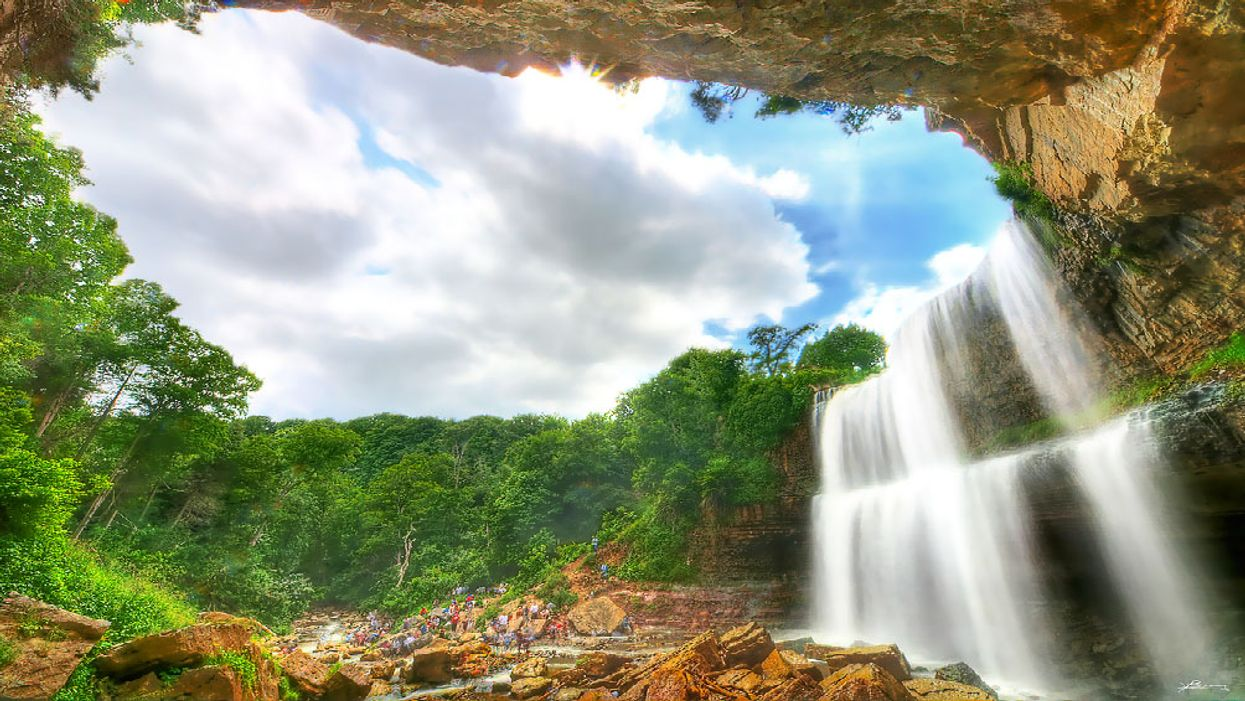 You Must Visit This Surreal Waterfall Paradise In Ontario