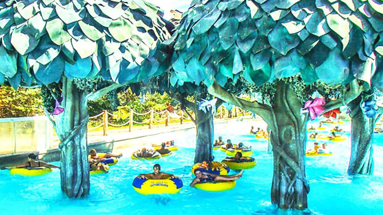 This Canadian Water Park Has The Coolest Lazy Rivers For Tubing