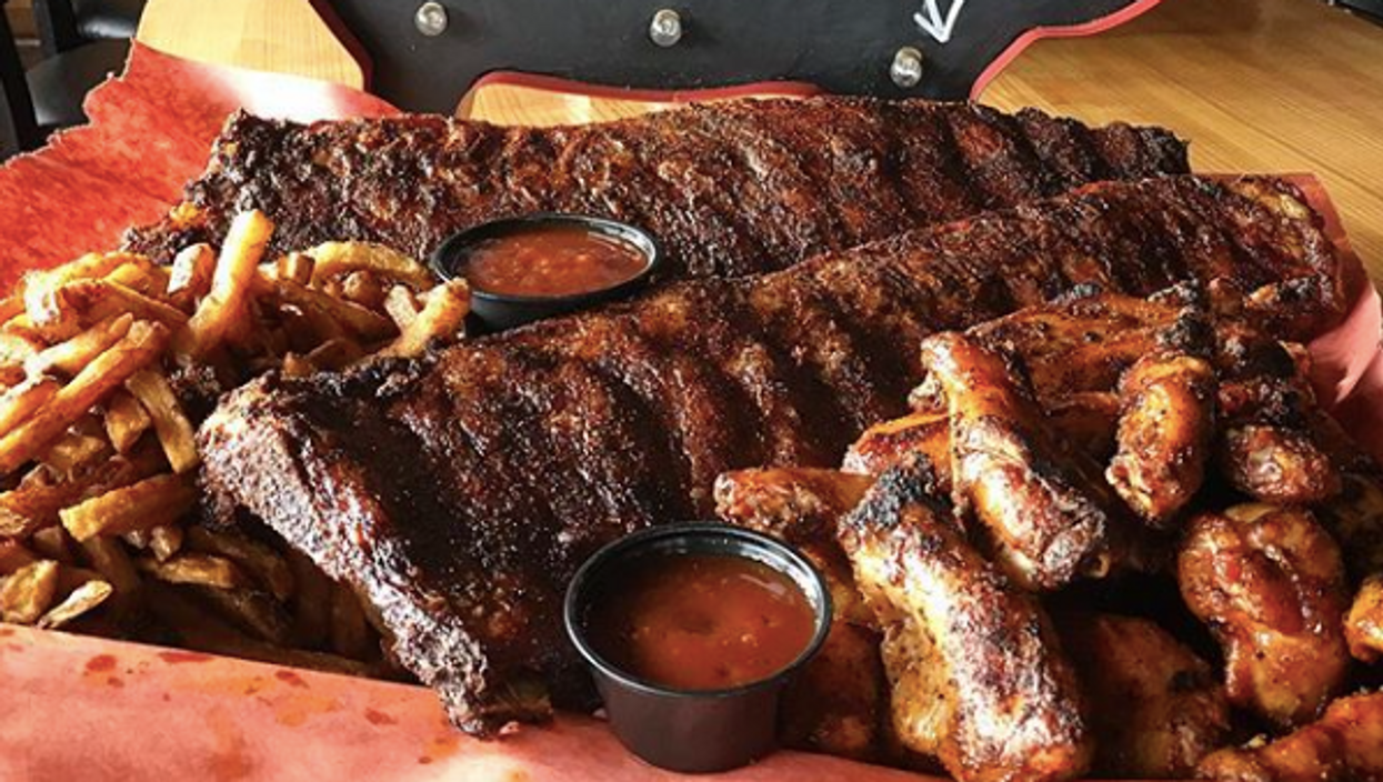 This Ottawa Spot Serves Unbelievable BBQ Meals That You Have To Try