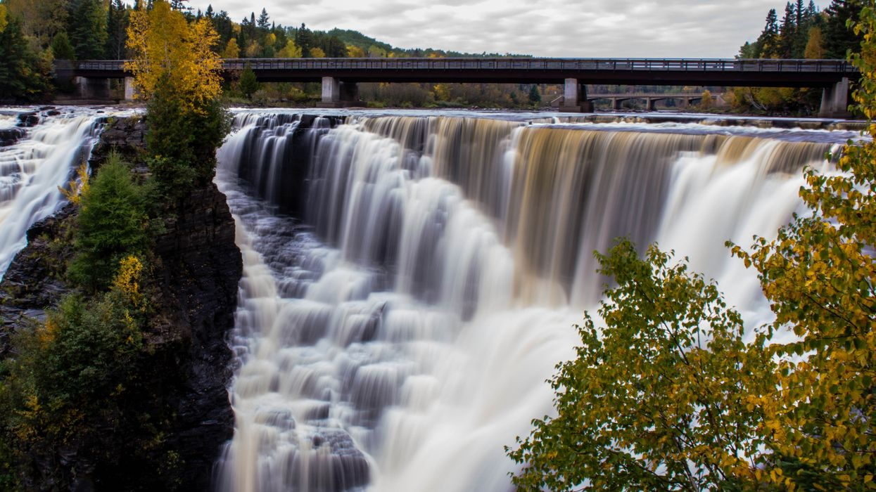 You Need To Road Trip To This Stunning Waterfall In Ontario ASAP