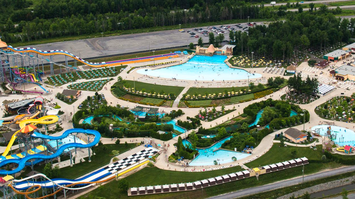 You Have To Visit Canada's Largest Theme Waterpark In Ontario This Summer