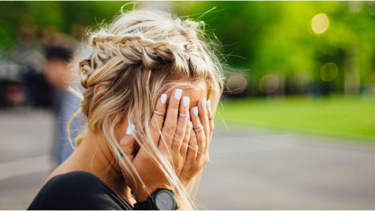 4 manières ultra-efficaces et faciles pour éclaircir tes cheveux sans les bleacher (et les abîmer)