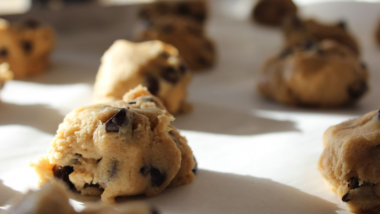 This Vegan Cookie Dough Is The Perfect ''Healthy'' Dessert That Won't Ruin Your Summer Bod