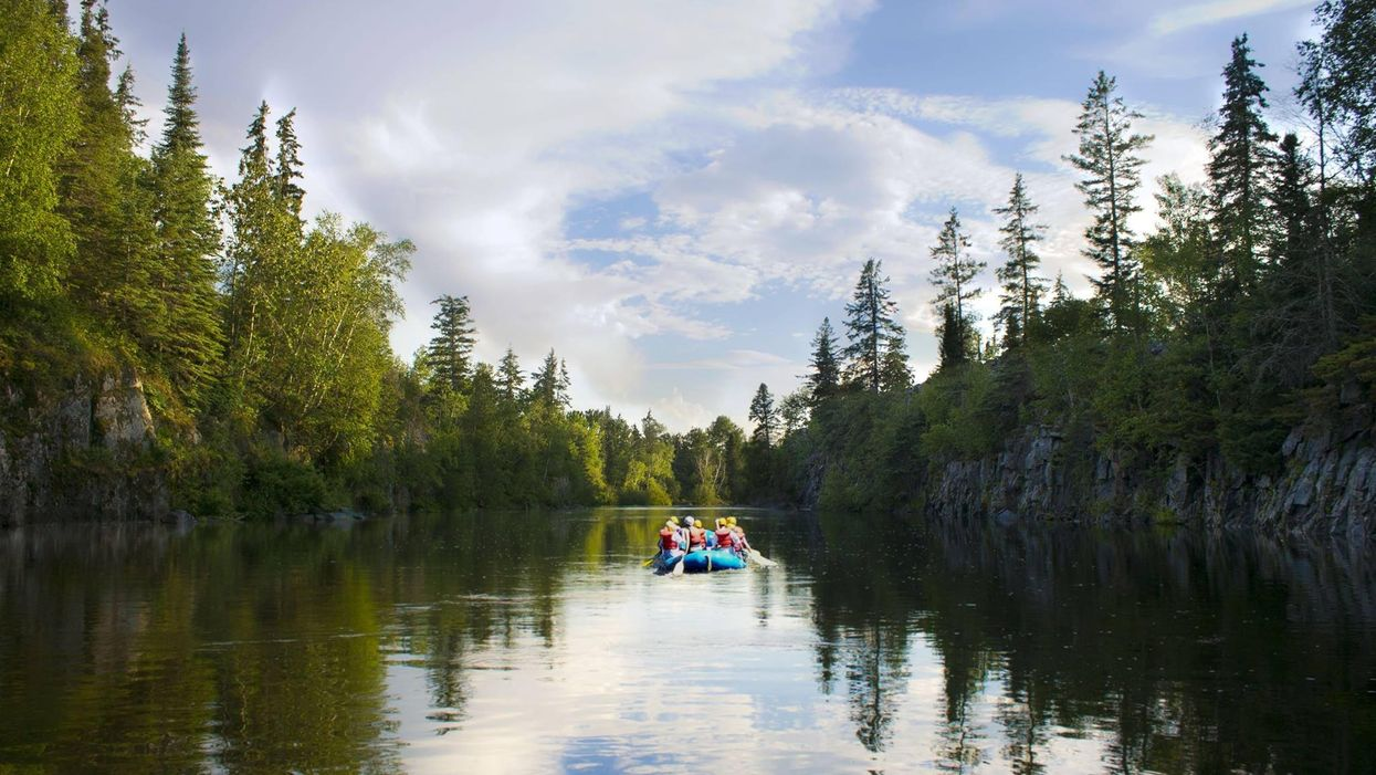 """This """"Lazy River"""" Near Winnipeg Is The Most Perfect Place To Go Tubing With Your Friends"""