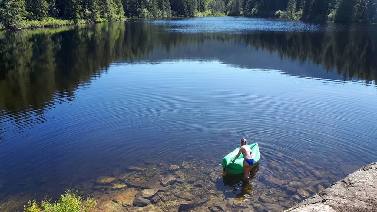 This Heart-Shaped Lake In Vancouver Is The Perfect Day Trip This Summer