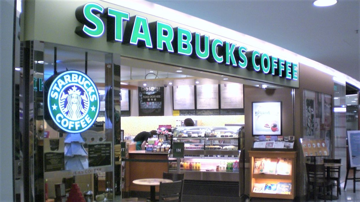 Here's Exactly When Starbucks' Across Canada Are Closing Down Today For Their Mandatory Staff Training