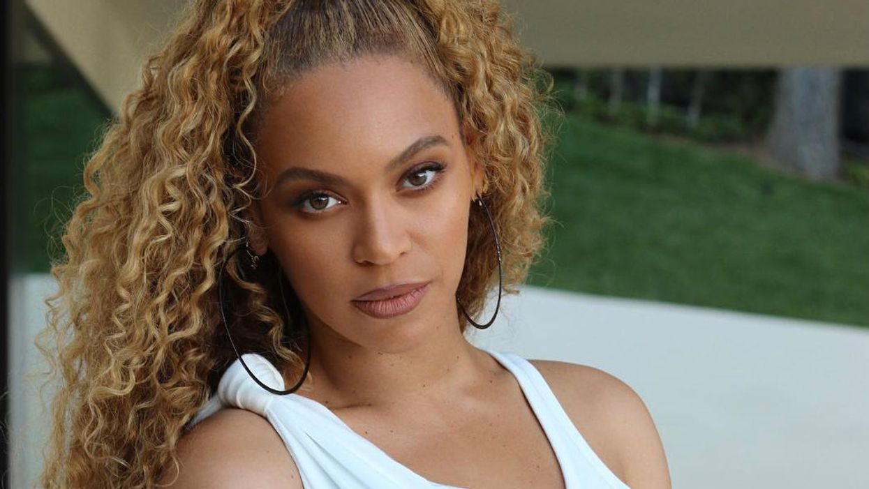 Beyhivers Are Convinced Beyonce Is Pregnant Again And They Have The Pictures To Prove It