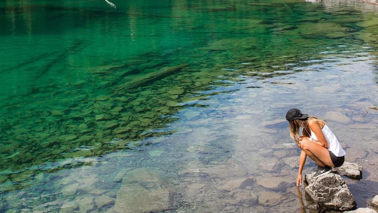 This Perfectly Turquoise Lake In Vancouver Is Worth Visiting This Summer