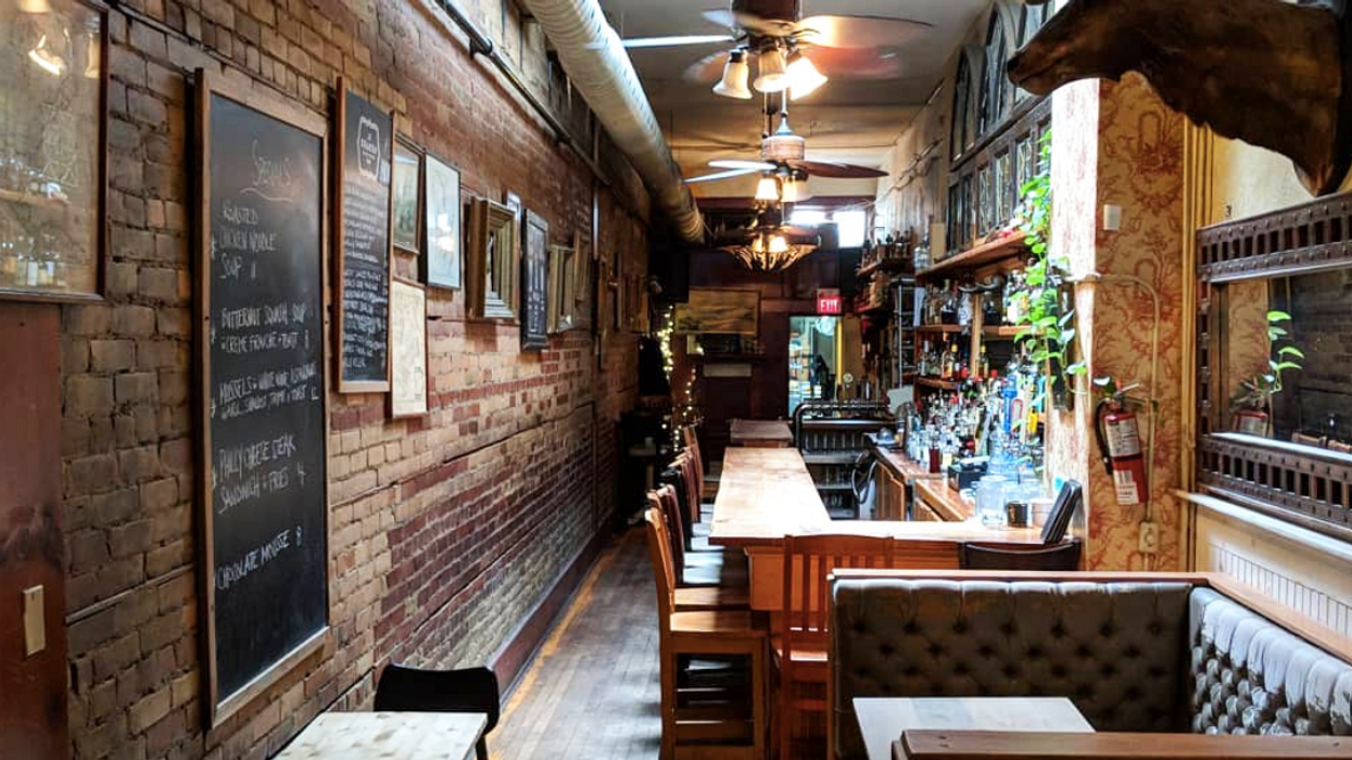These 10 Hole-In-The-Wall Bars In Toronto Are Serious Hidden Gems