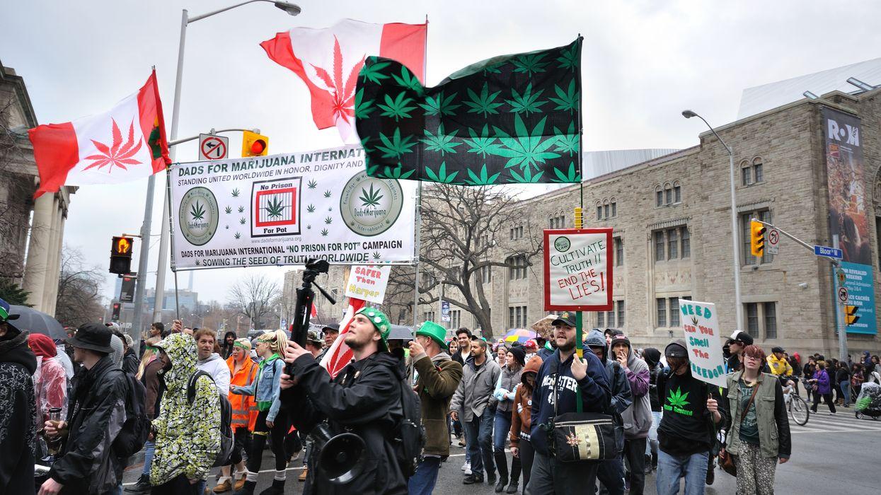 C'est officiel, le Canada marque l'histoire en légalisant la marijuana