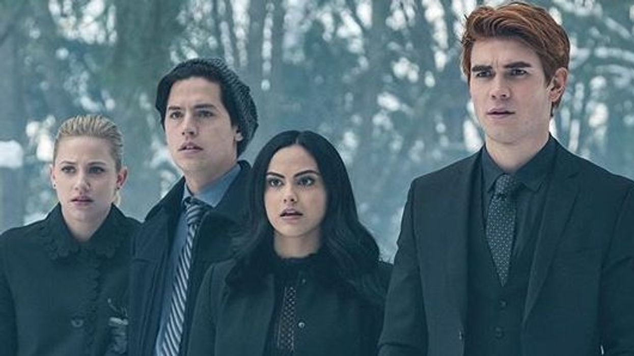 The Entire Cast Of Riverdale Is Trolling Cole Sprouse On This Instagram Picture And We Can't Stop Laughing
