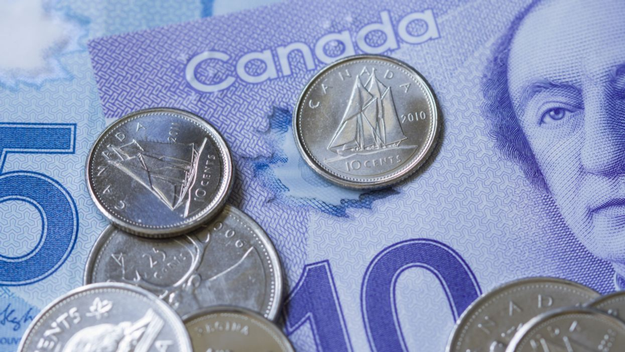 Here's A Comprehensive Guide To Tipping In Every Canadian Province