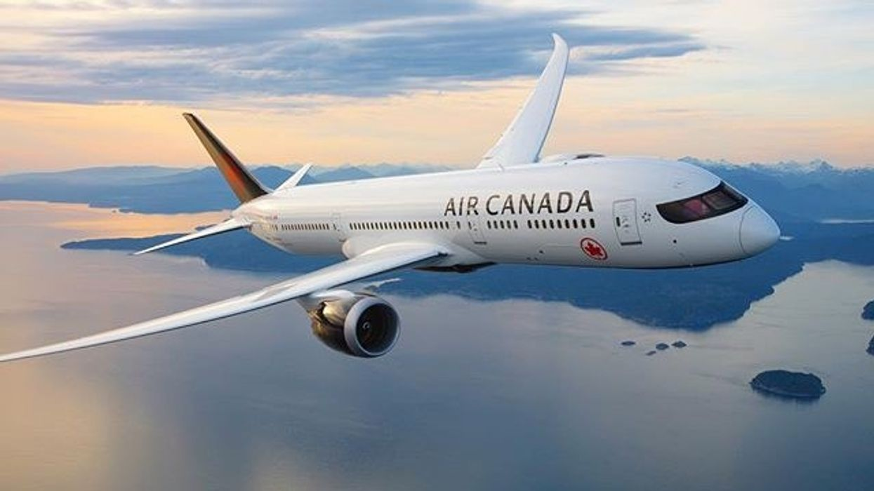 Air Canada Passengers Were Forced To Sit In A Hot Plane For 4 Hours When Their Flight Was Delayed