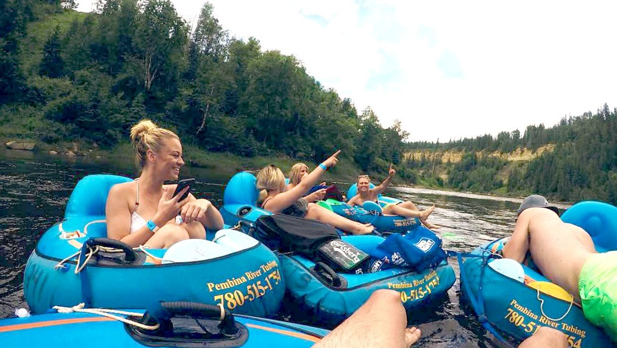 This Lazy River In Alberta Is The Ultimate Spot To Go Tubing In Canada