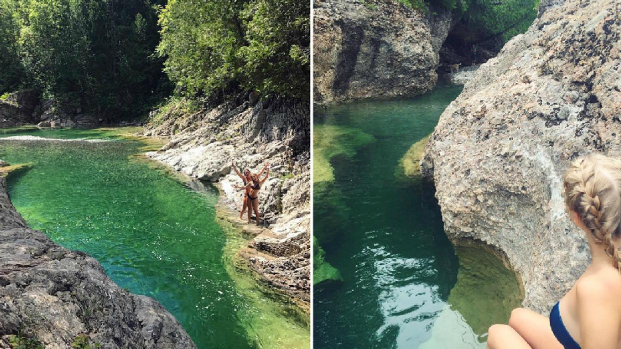 Tu dois absolument aller te baigner dans cette piscine naturelle à l'eau turquoise au Québec