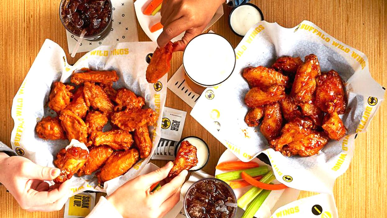 You Can Get Free Wings At Buffalo Wild Wings Across Canada This Weekend