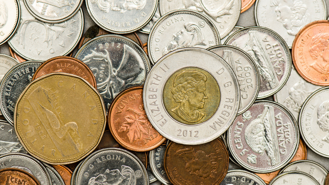 6 Industries Besides Food You Should Tip For In Canada And How Much To Give Them