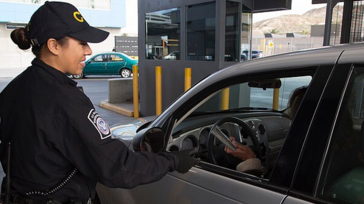 Here's How U.S. Border Agents Select Who They Target For Phone Searches When Crossing From Canada