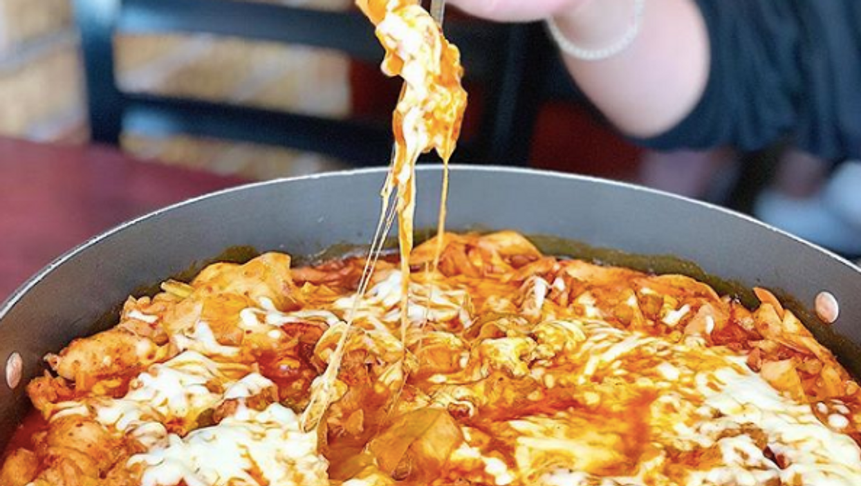 This Korean Spot In Toronto Serves Giant Sizzling Bowls Of Cheesy Ramen Bigger Than Your Head