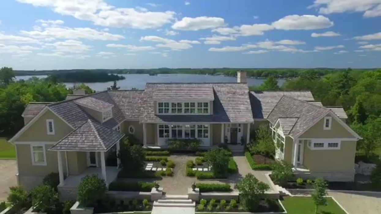 Justin Bieber Just Bought A Huge Mansion In Canada, Here Are All The Details (VIDEO)