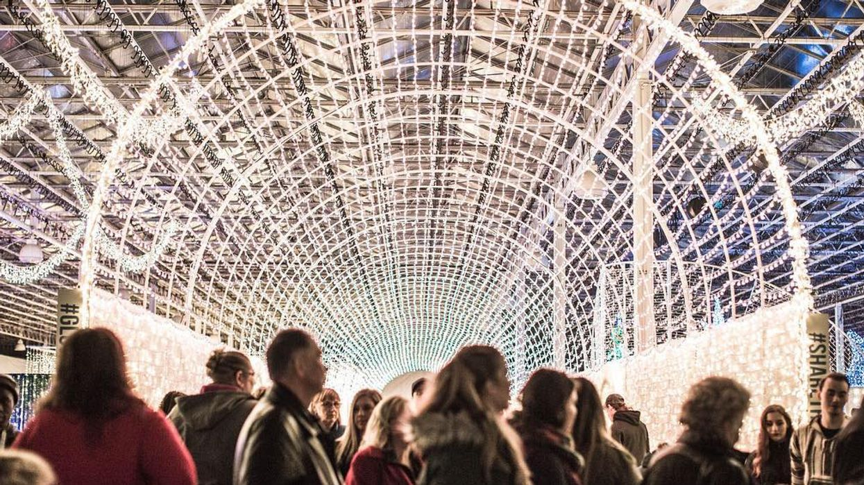 A Magical Christmas Festival With Over 500,000 Twinkling Lights Is Coming To 3 Cities Across Canada This Winter