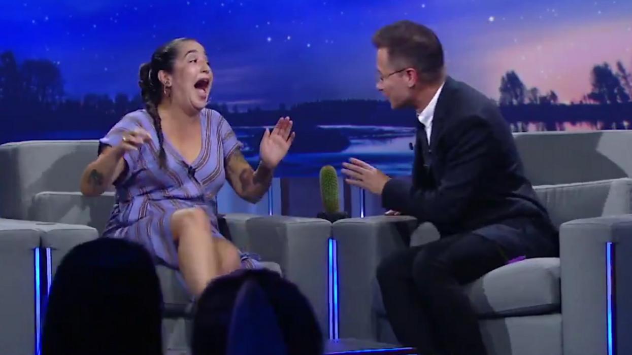 Mariana Mazza cause un drôle de malaise à la première du Show de Rousseau